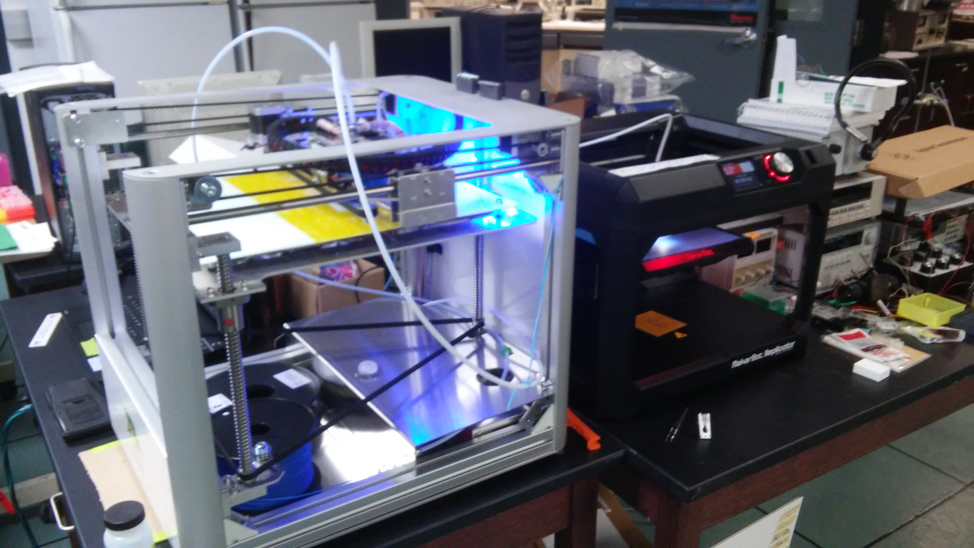 Leapfrog (left) and Makerbot (right) running in tandem